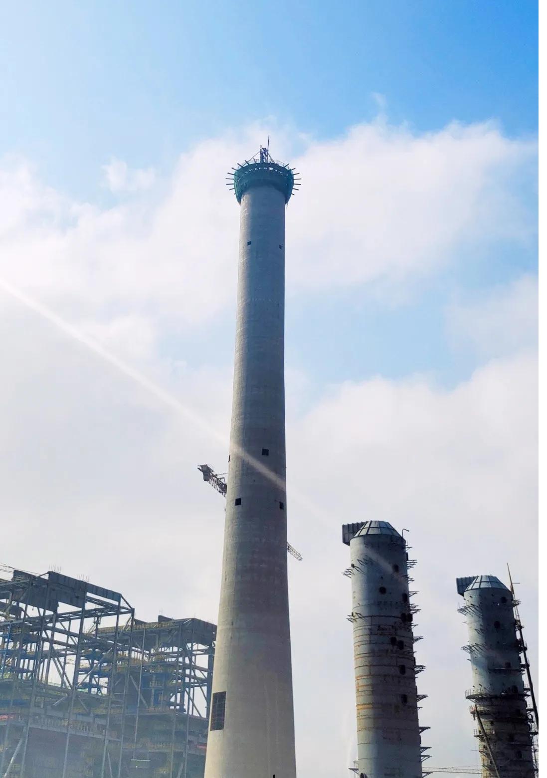 宁夏鲲鹏清洁能源乙二醇项目126米烟囱顺利封顶